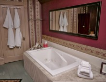 Carnahan Room jetted tub